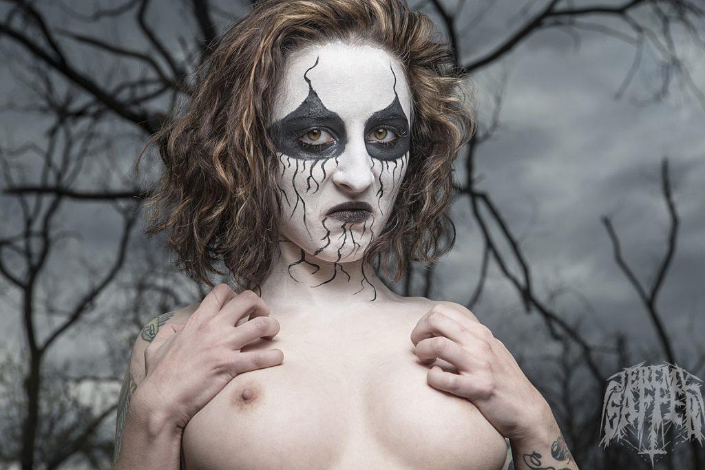 Model: Kiki Photographer: Jeremy Saffer